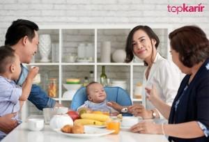 Tentang Generasi Sandwich dan Cara Terbaik Menyikapinya | TopKarir.com