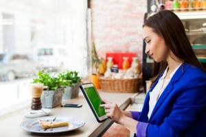 Alasan Digital Marketing Menjadi Profesi yang Menggiurkan Untuk Perempuan | TopKarir.com